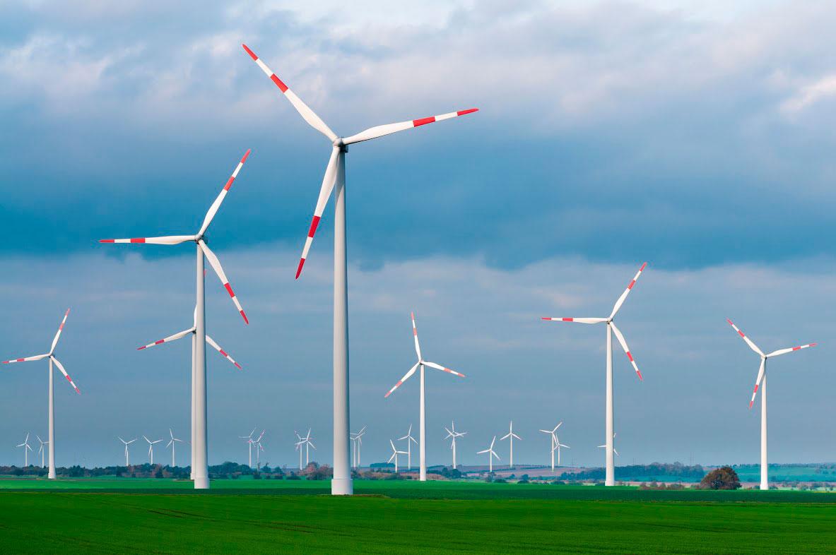 Windkraft Anlagen begleitet mit Ölanalyse